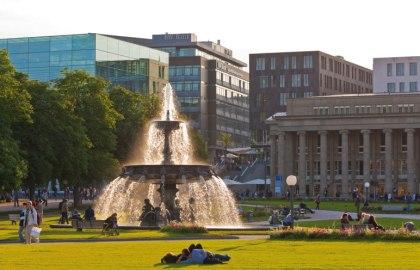 Schlossplatz, © Stuttgart-Marketing GmbH / Werner Dieterich